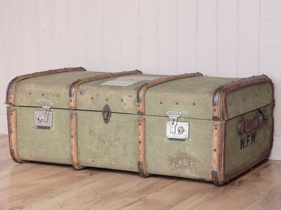 Vintage Military Trunk - Scaramanga