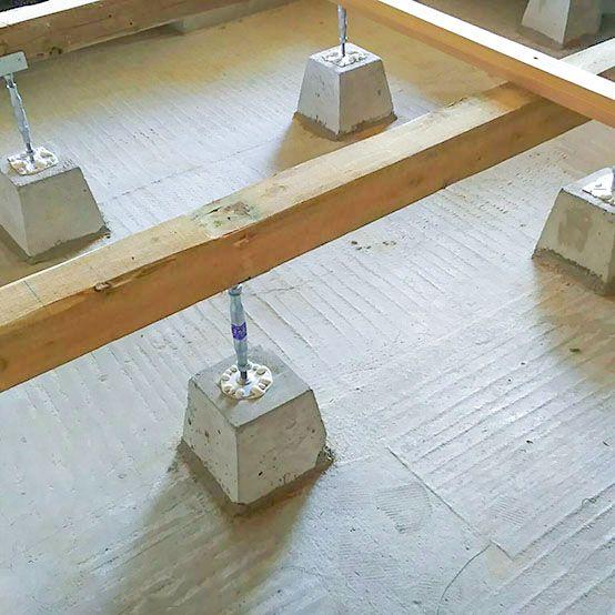 なんと ベタ基礎 が出て来ました ベタ基礎は 床下全体を鉄筋と