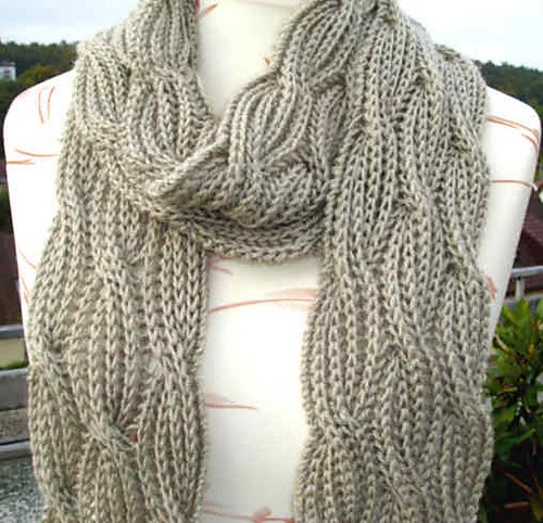 Knitting Patterns Reversible Scarves : B0adiceas Reversible Cabled Brioche Stitch Scarf - free pattern Knitti...