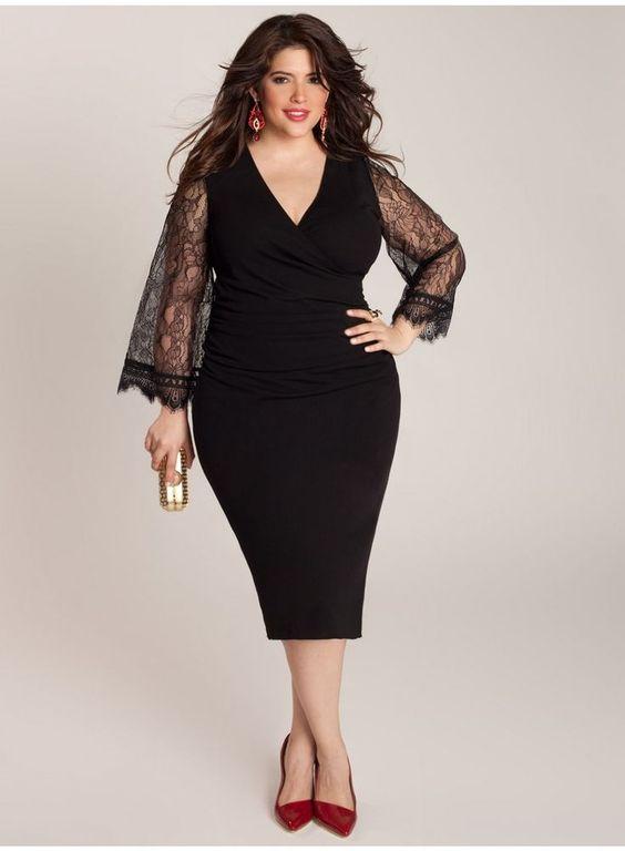 Vestido negro entallado con mangas de encaje para disimular unos kilitos de más :):