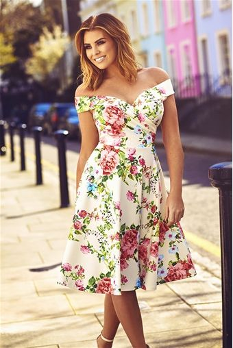 Make a statement in this floral print skater dress featuring a wrap bust bardot neckline and a full midi skirt. A definite Summer essential for a garden party or wedding.