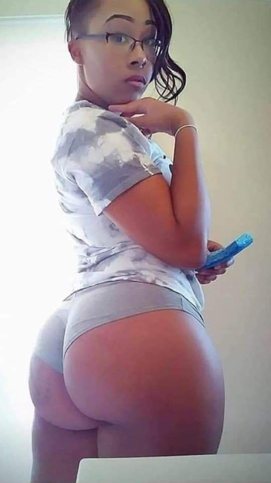 Light Skin Girl Big Ass