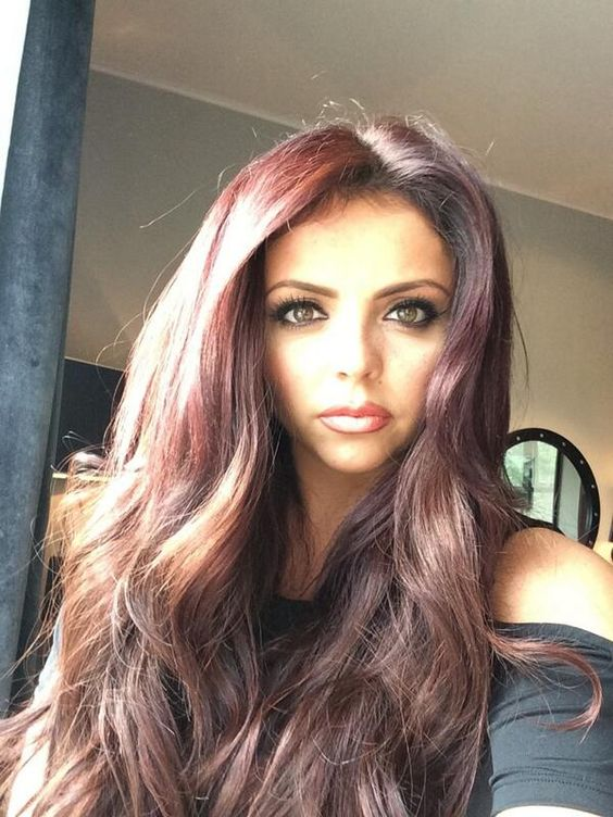 Ya know what? Forget what I said about wanting her curves and hair and voice and wardrobe, I just want to BE Jesy.