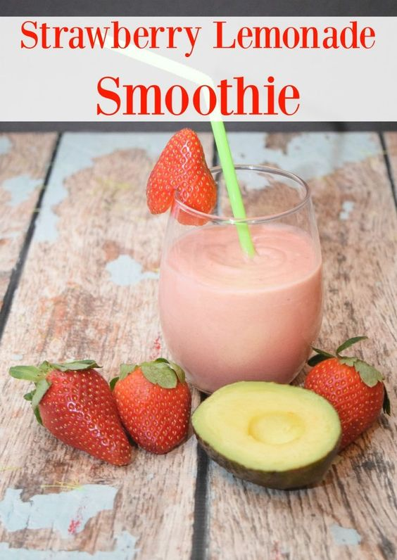 Are you looking to get healthy in the new year? Check out this Strawberry Lemonade Smoothie with Meta Appetite Control to keep those cravings away! #ad #MetaSnackID