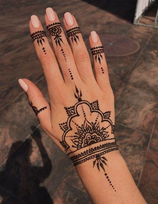 Stunning Henna Tattoo Design Becomes A Trend In 2020 Henna Tattoo Designs Hand Cool Henna Tattoos Henna Tattoo Designs
