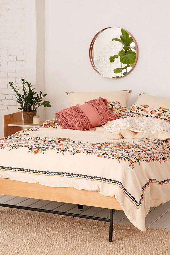 Dizzy Bedroom Decor