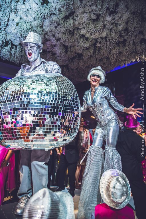 Our Human Disco Ball Is Movin And A Groovin With Shiny Stilt Character At This Hora Loca Wedding Reception In Houston