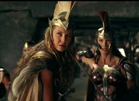 Pin By Lidia Mateo On Chudo Zhenshina Wonder Woman Cosplay Warrior Woman Gal Gadot Wonder Woman