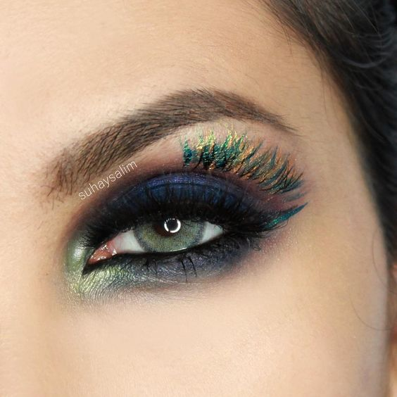 Make-Up: The eyeshadow colours remind me of peacock feathers by suhaysalim