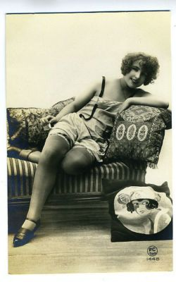 VINTAGE PIN UP PHOTO BUSTY NUDE WOMAN BACK SMILING POSING ADULT ONLY ITEM   bji       eBay