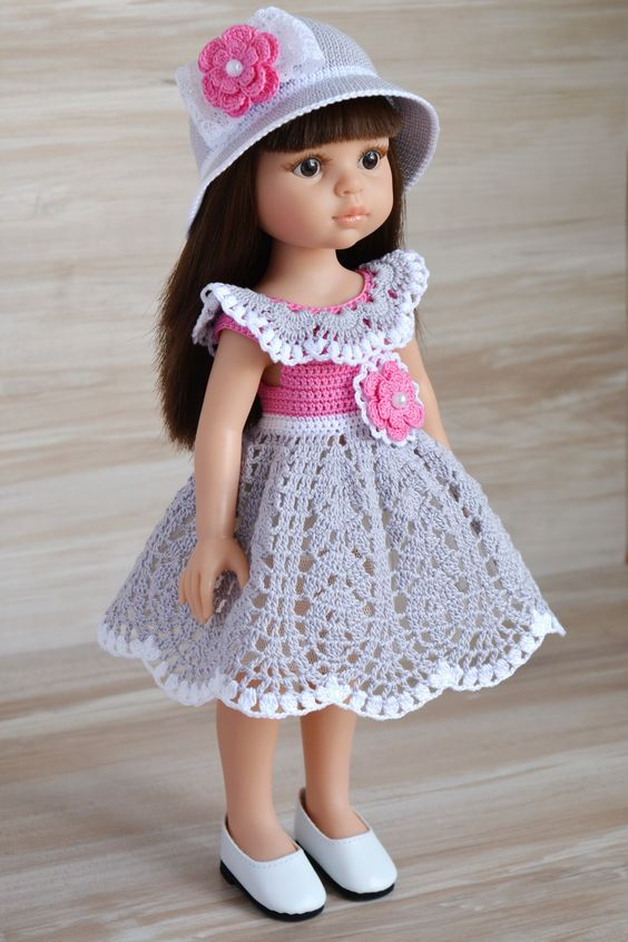 Платье связано из итальянского хлопка жемчужного цвета, белоснежного и розового турецкого хлопка. Украшено цветочком на ажурной белоснежной подложке с бусиной / 900р