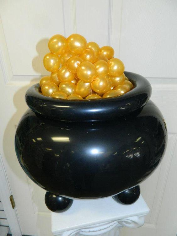 Mini Pot of Gold Balloon Sculpture Centerpiece