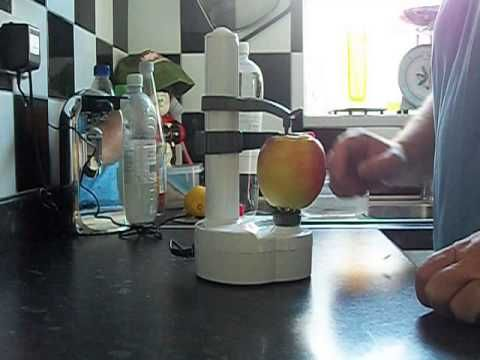Automatic fruit and vegetable peeler.