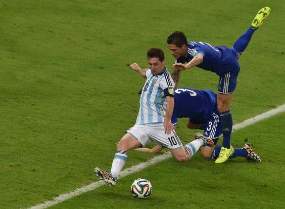 Messi e Neymar, companheiros de Barça, e 'rivais' na Copa, duelam pela artilharia (© AFP/Getty)