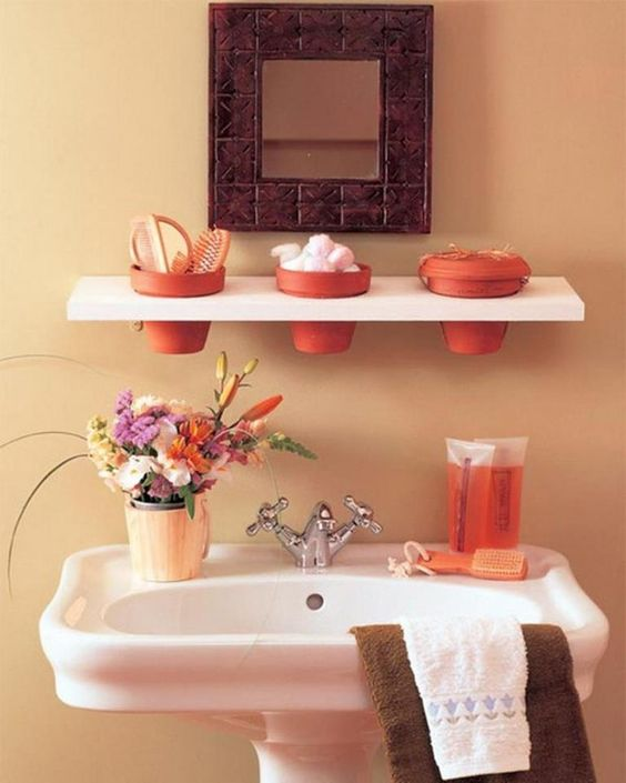 Another good way to keep items close & organized, especially for small bathrooms.