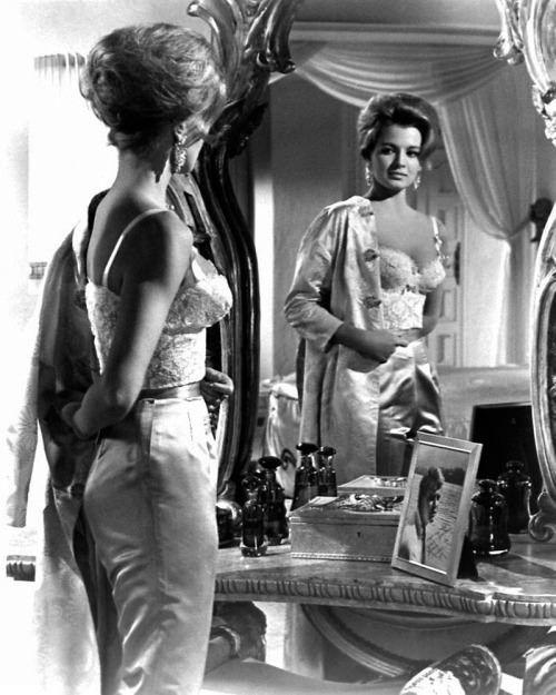 Elegant Angie Dickinson 1961