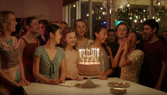 Hulu estrena 'First Day', una serie innovadora sobre una niña trans que comienza la escuela secundaria