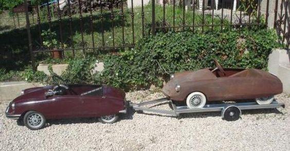 une remorque porte voiture pour voiture à pédales