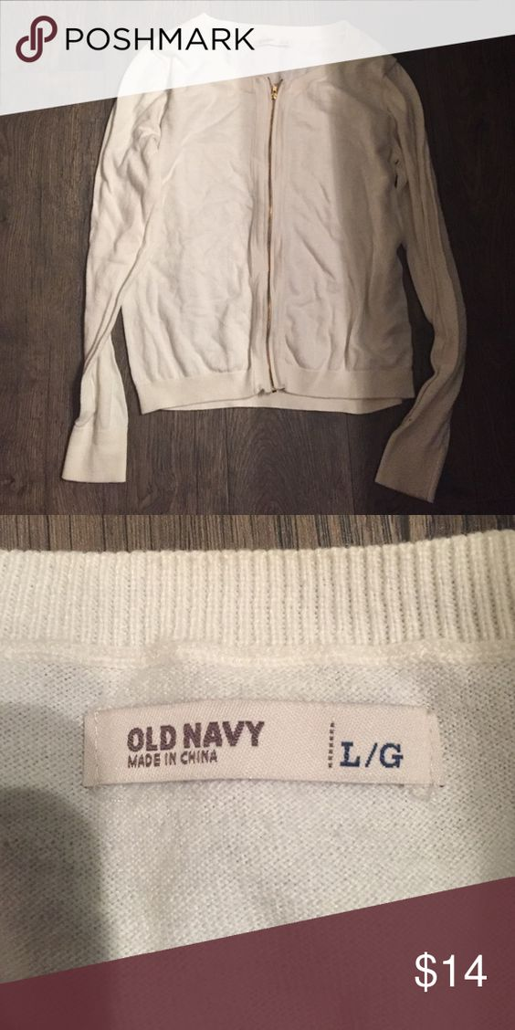 Old navy sweater Worn once. Super cute Old Navy Sweaters Cardigans