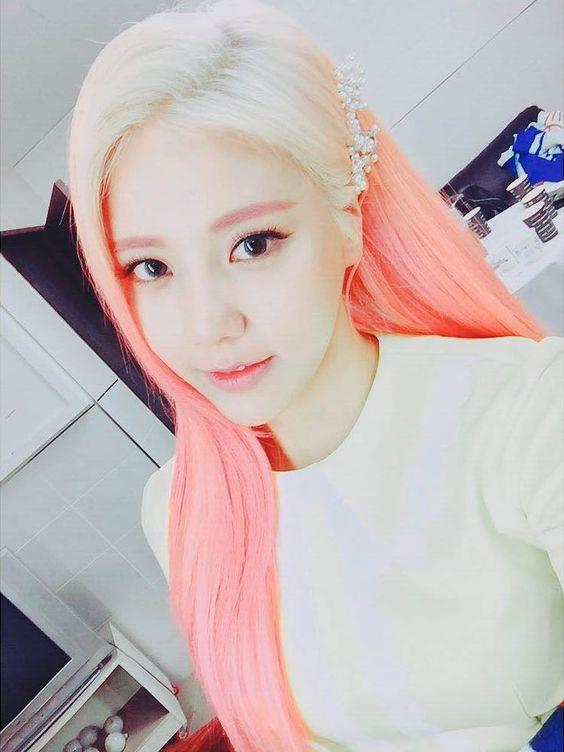 AOAメンバーへジョンお姫様みたいな髪の色