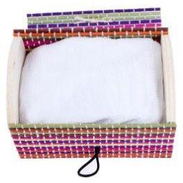 Una pashmina en baúl de regalo, un detalle coqueto para tus invitadas