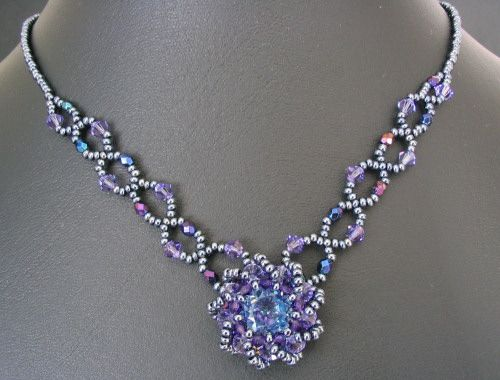 Google Image Result for http://www.les-creatifs.com/bijoux-et-perles/photosarticles/notice_collier_syros_bleu_photo.jpg