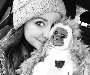 Zoella - Fotos de Zoella | via Facebook