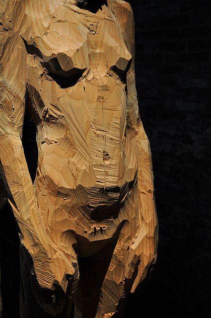 venezia, sculpture by aron demetz (www.arondemetz.it), photo by enrica burelli aka enrica77, via flickr #art #sculpture #arondemetz