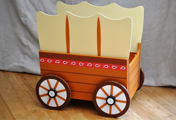Carnival Toy Box Pink: Vintage Toy Box. Adorable Circus Carnival Cowboy Toy Wagon