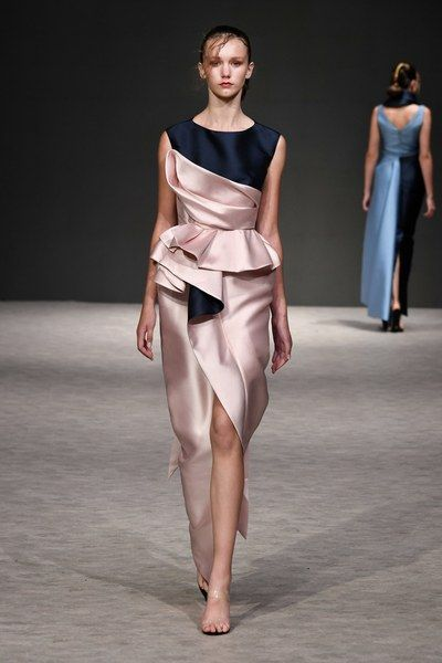 Mode Avondjurken.Phuong My Spring 2019 Ready To Wear Fashion Show Chique And Trendy