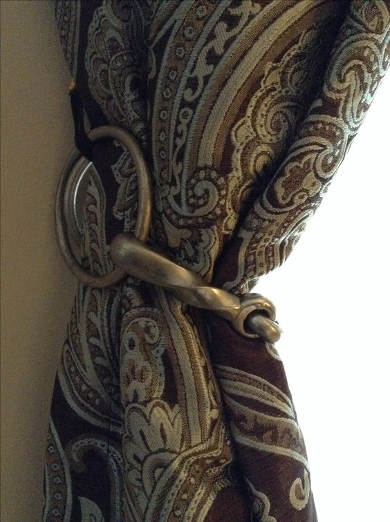 Bit as curtain tie-back - Equestrian Decor....Usually I keep the horse stuff out of the house but I LOVE this idea!