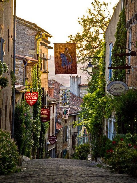 | ♕ | Grand Rue Raimon VII - Cordes-sur-Ciel | by © PacoQT | via ysvoice