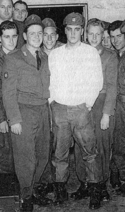 Elvis and his comrades in the Army ...