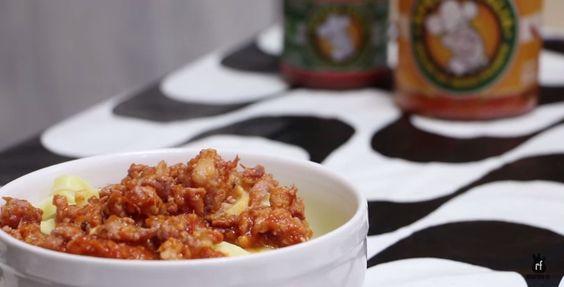 Já viu um canal com culinária temática? O Rock Food, essa semana, fez um poderoso ragu de linguiça bragantina. Uma releitura do ragu que aparece no filme O Poderoso Chefão.
