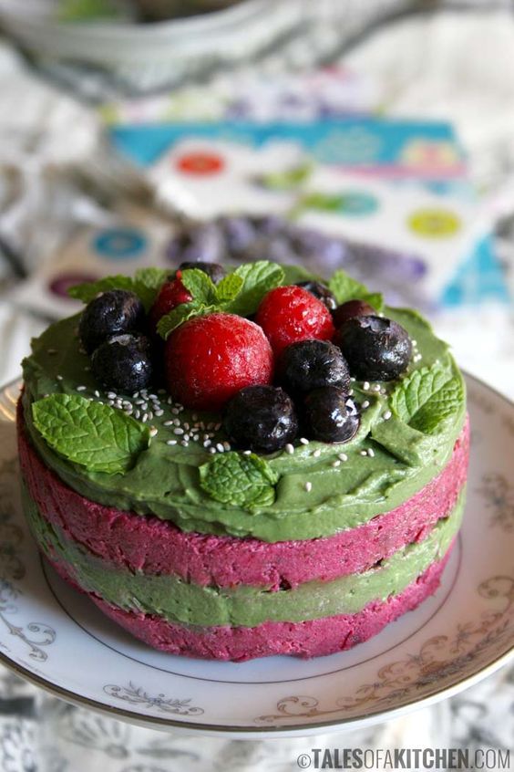 Vegan Birthday Cake Images : Spirulina, Red velvet and Birthdays on Pinterest
