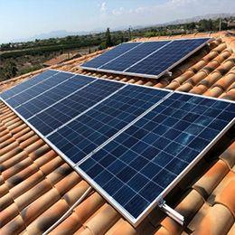 Instalacion Estructura Cubierta Tejas Kht915 En 2020 Instalacion De Paneles Solares Energia Solar Paneles Solares