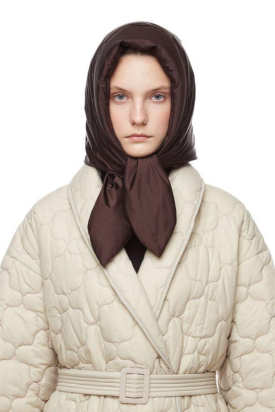 Hustka Hood Scarf Chocolate | IENKI IENKI Women's Down Coat