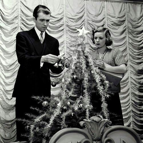 Jimmy Stewart And Maureen O Sullivan Christmas Movies Vintage Christmas Photos Classic Hollywood