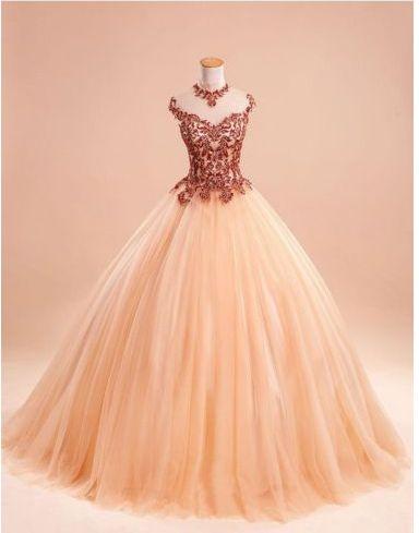 Elegant Sleeveless Ball Gown Lace Formal Evening Dress