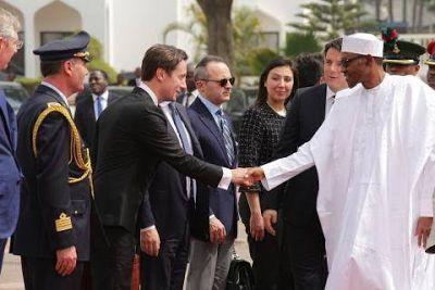 Photos: Buhari receives President of Italy - http://www.thelivefeeds.com/photos-buhari-receives-president-of-italy/