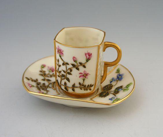Royal Worcester: Japonism Floral Pattern Cup & Saucers  Ceramics