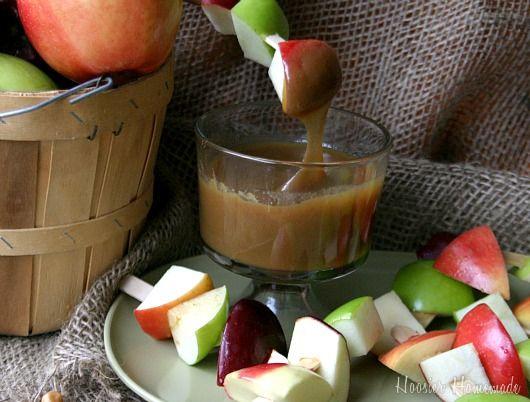 Mini caramel apples (homemade sauce!)