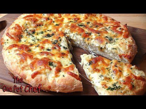 De queijo o pão de alho Pizza básico - RECEITA -  /  Cheesy Garlic Bread Pizza Base - RECIPE -