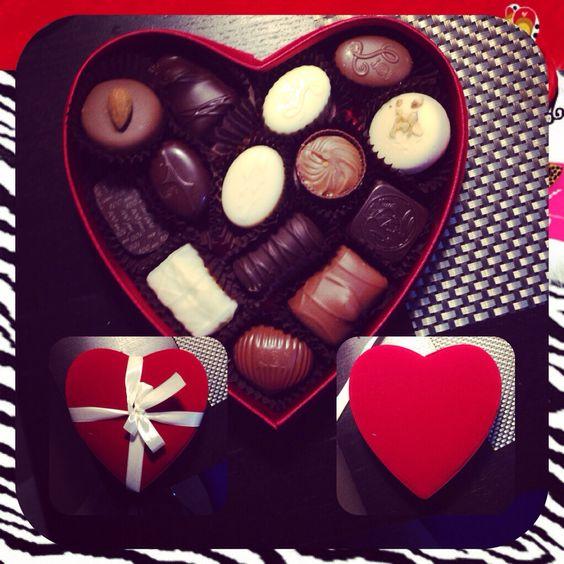 "Fresh Belgian chocolates "" pralines LeonidaS"""