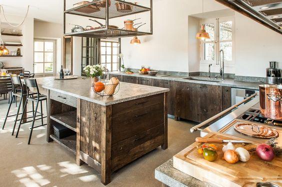 Ilot central cuisine bois ancien mobil kitchen for Ilot central bois