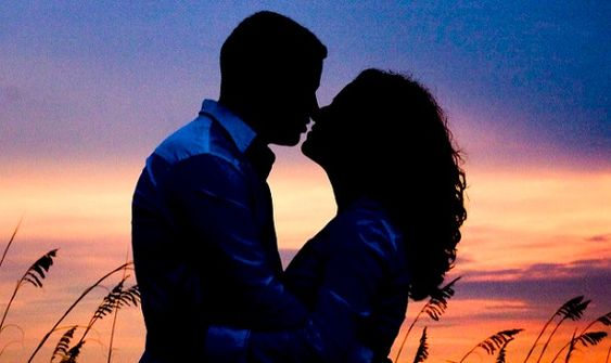 Dating after 40? Here are my 20 best tips for finding love after 40...