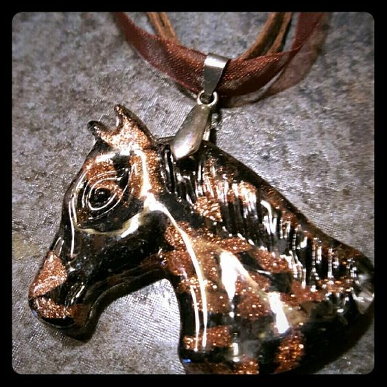 "Horse Necklace Like new-solid  about 2 "" accross, back flat & smooth Jewelry Necklaces"