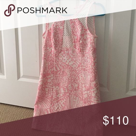 Lilly dress Shift dress, has small cut outs on shoulders and chest Lilly Pulitzer Dresses Midi