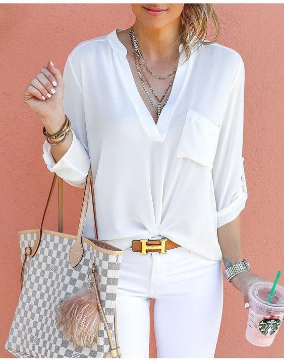 A camisa é uma peça que nunca sairá de moda. Desde sempre, ela é a aposta para todas as ocasiões, tal como uma reunião de negócio compondo um look mais social, até um passei no shopping, compondo um look mais despojado. Clique para ver mais...  #moda #camisafeminina #camisa