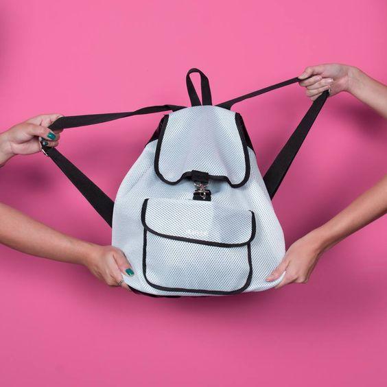 Mochilas que combinam com você, a Kaisan tem!   Shopping Now ▶ http://goo.gl/ePbGK1  #voudekaisan #teamkaisan #befitness #acessóriosfitness #modafitness #usekaisan #mochilafitness #mochila #bag